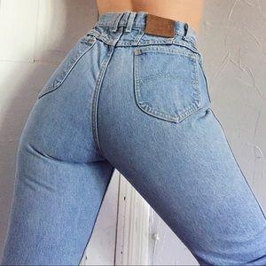 Vintage Ultra High Rise Light Wash Mom Jeans